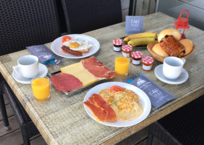 camping-hotton-ontbijt